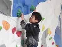 攀岩进校园 让孩子们离攀岩再近一些