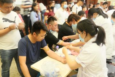 """给血液病患者带去生的希望,清江浦区一天新增百余位""""热血青年"""""""