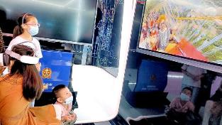 【志愿行动 大爱淮安】体验VR过山车、海底世界  孩子们感受5G带来的快乐