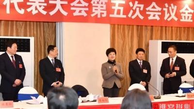 市委书记蔡丽新看望慰问人大代表